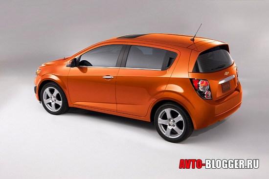 Боковая часть Chevrolet AVEO 2011