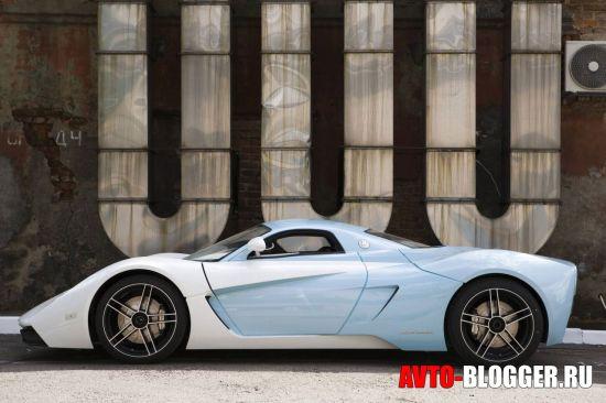 Бело-голубой кузов автомобиля