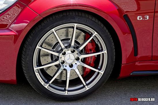 Литые диски AMG и новые тормоза