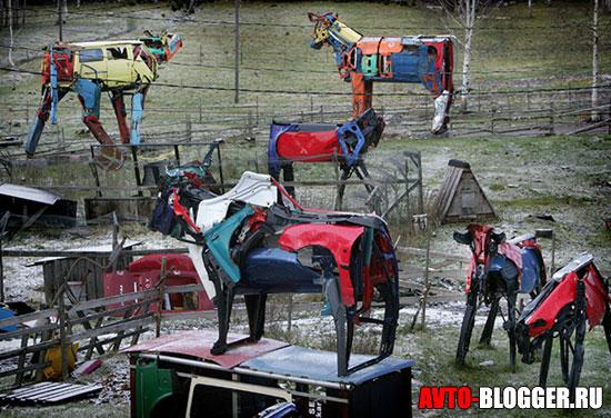 Целый зоопарк животных из машин