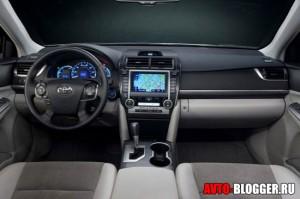 Новая Toyota Camry, салон, фото 1