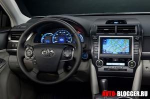 Новая Toyota Camry, салон, фото 2