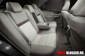 Новая Toyota Camry, салон, фото 4