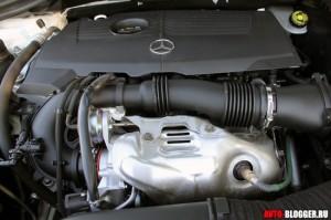 Mercedes Benz B Class 2012 года, двигатель, фото 3