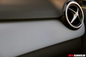 Mercedes Benz B Class 2012 года, салон, фото 9