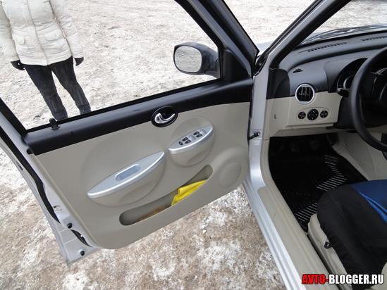 дверь водителя