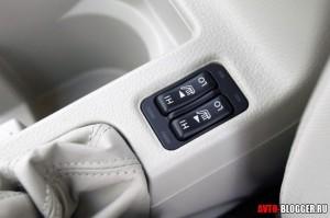 Subaru Impreza салон, фото 8