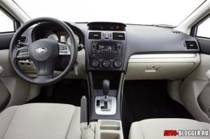 Subaru Impreza салон, фото 1