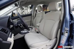 Subaru Impreza салон, фото 2