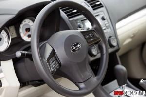 Subaru Impreza салон, фото 4