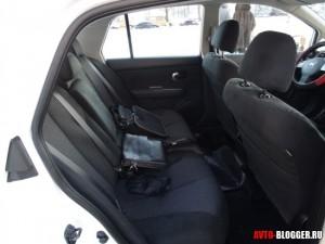 Nissan Tiida, задние сиденья, фото 1