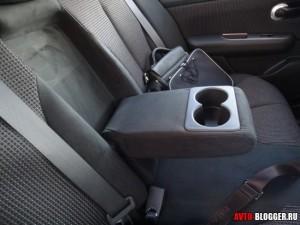 Nissan Tiida, подлокотник, с подстаканниками