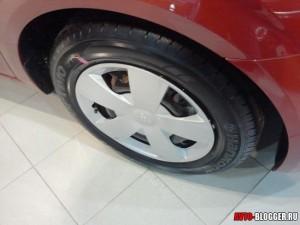 Chevrolet AVEO 2012, в этой комплектации колпаки на колесах
