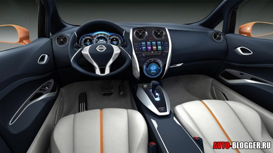 Nissan 2012 салон