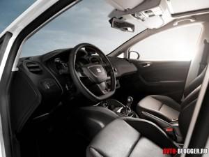 Seat Ibiza 2012, салон фото 1