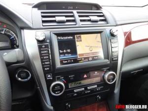 Toyota Camry, салон фото 5