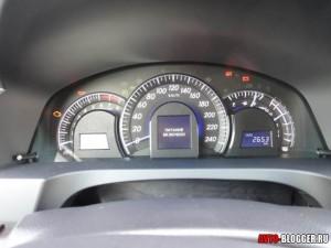 Toyota Camry, панель приборов