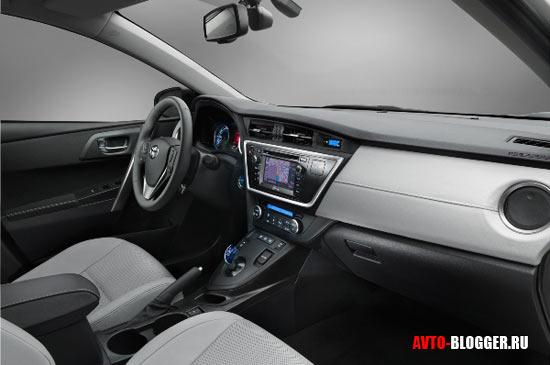 Новая Toyota Auris салон