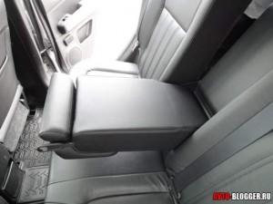 Nissan X-Trail, задний подлоконтик