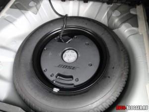 Nissan X-Trail, усилитель BOSE в багажнике