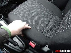 Лада Гранта автомат, передние сиденья, фото 3