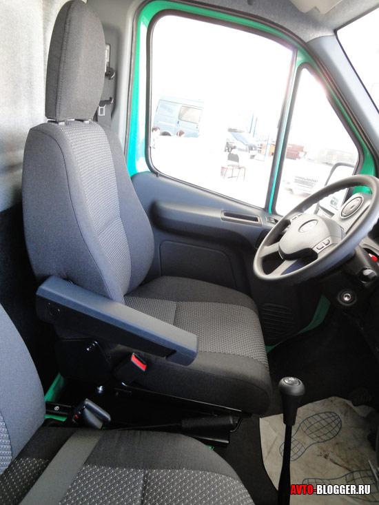 водительское сидение