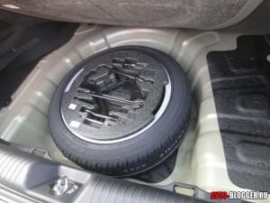 полноразмерное запасное колесо