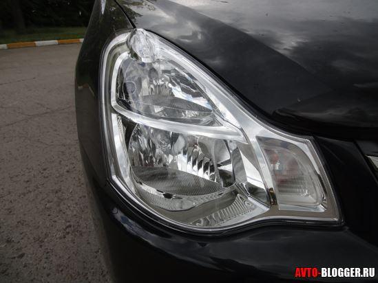 фара Nissan Almera