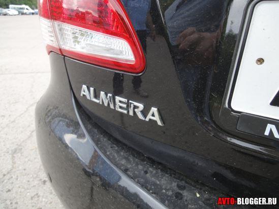 "надпись ""Almera"""
