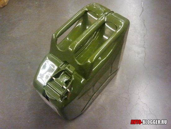 Канистра для бензина металлическая