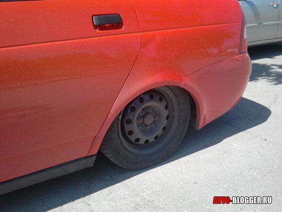 колесо под крылом