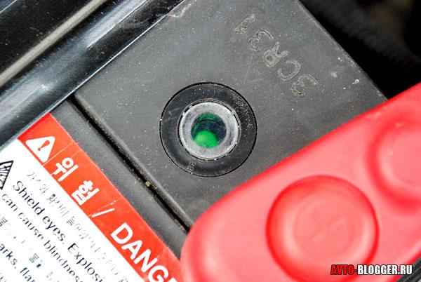 Почему горит знак индикатора разряжения в аккумуляторном усилителе