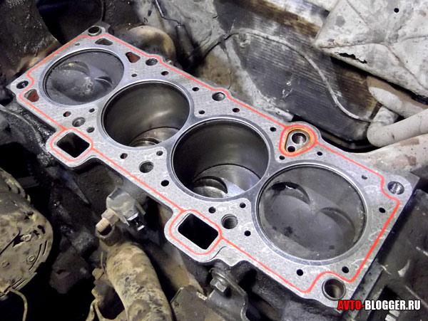 прокладка блока цилиндров двигателя