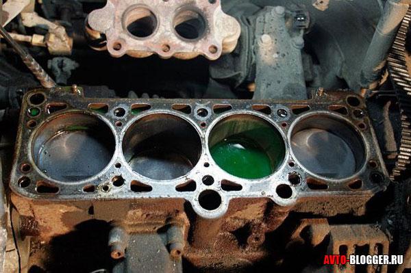 вода в двигателе