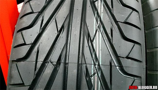 Направленный рисунок протектора